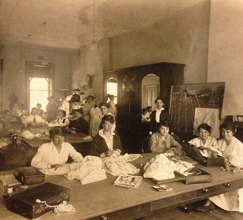 Dressmaking class, College of Domestic Economy 1915. State Library of Victoria