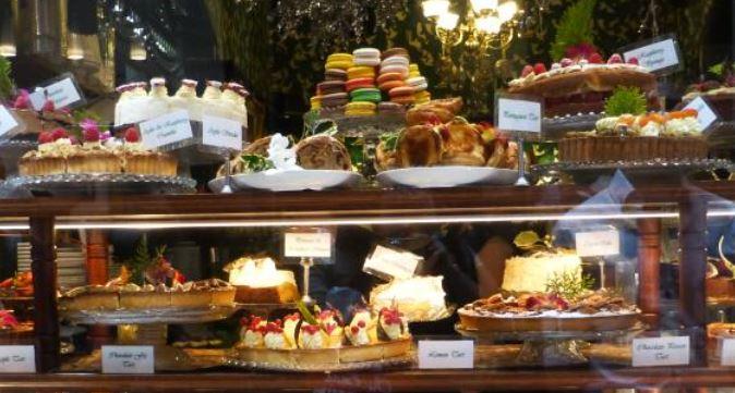 Hopetoun Tea Rooms cake display